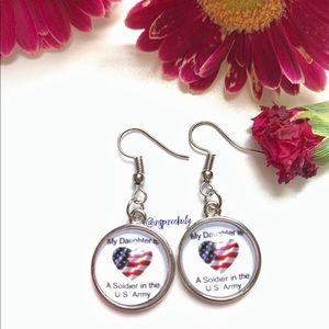 😘 4/$25 Silver Tone My Daughter US Army Earrings